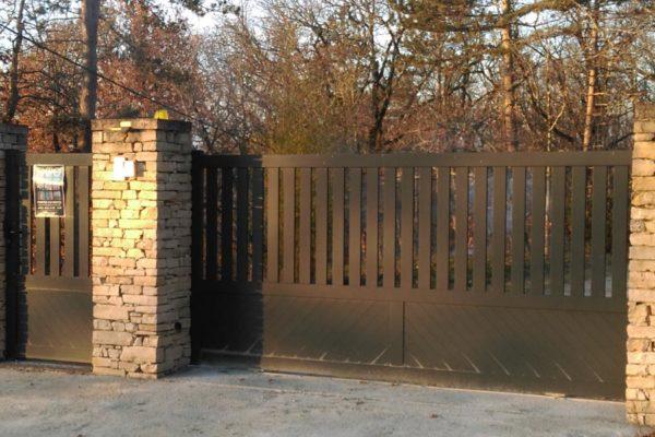 portail-et-portillon-aluminium-caumon